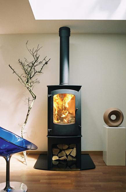 Chauffage au bois : poêle à bois ou cheminée ?